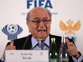 Joseph Blatter, visita São Petersburgo para discutir as preparações da Copa do Mundo de 2018 - Foto: Anatoly Maltsev | Ag. EFE