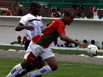 Campeão baiano em 2011, Bahia de Feira só empata na estreia do Baianão 2013: 1 a 1 com a Juazeirense - Foto: Luiz Tito | Agência A TARDE