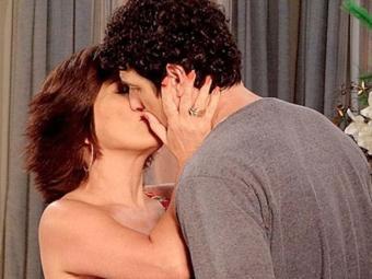 Apesar do interesse de Juliana, Nando afirma que não vai terminar com Roberta - Foto: Divulgação