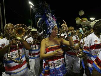 Banda Habeas Copos é tradição no Carnaval de Salvador - Foto: Claudionor Junior | Ag. A Tarde Data: 02/03/2011