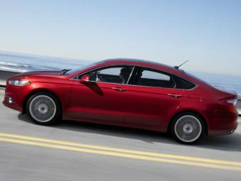 Fusion tem versão top por preço sugerido de R$ 112,9 mil - Foto: Divulgação/Ford