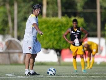 Treinador rubro-negro deverá manter contra o Asa a mesma equipe que começou jogo com o Salgueiro - Foto: Eduardo Martins   Agência A TARDE