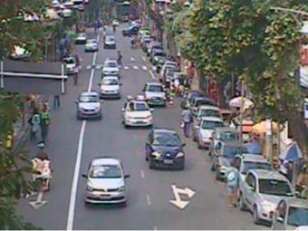 O trânsito não apresenta retenções no Largo do Tamrineiro - Foto: Transalvador | Divulgação