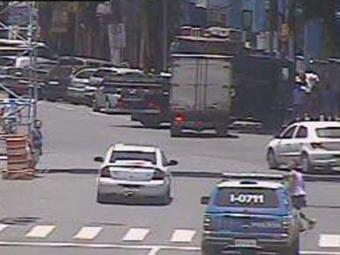 Trânsito segue tranquilo no Campo Grande, próximo ao bairro do Canela - Foto: Transalvador | Reprodução