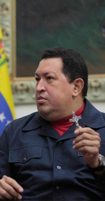 Há quase um mês, Chávez está em Cuba para tratamento de combate ao câncer - Foto: AP Photo | Miraflores Press Office | Marcelo Garcia