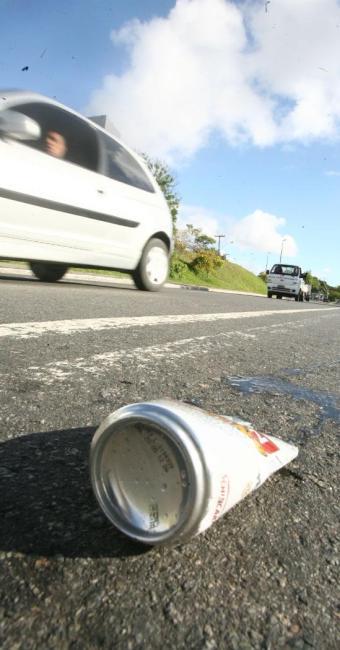 Os motoristas flagrados sob o efeito de álcool devem pagar uma multa no valor de R$ 1.915,40 - Foto: Arestides Baptosta | Ag. A TARDE