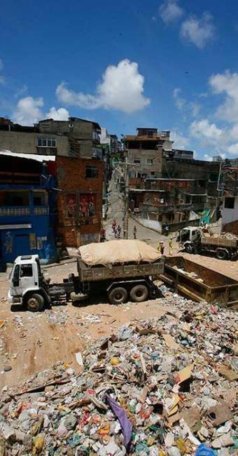 Proposta da direção do órgão é regularizar a coleta do lixo em 100 dias - Foto: Marco Aurélio Martins | Ag. A TARDE