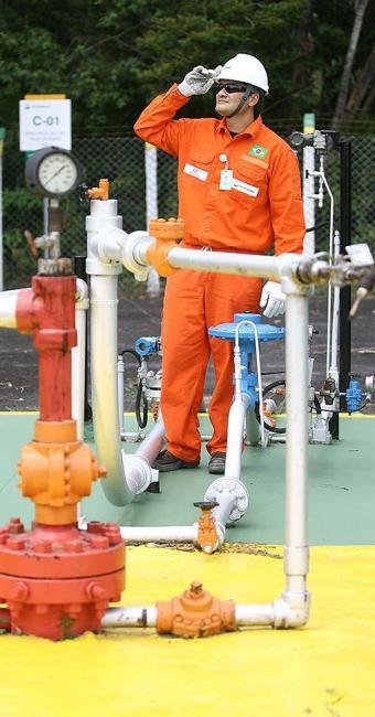 O engenheiro de petróleo João Rangel destaca que a descoberta de novas reservas aqueceu a área - Foto: Adilton Venegeroles   Ag. A TARDE