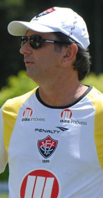 Treinador rubro-negro repete escalação em coletivo e define time que enfrenta o Botafogo-BA - Foto: Esporte Clube Vitória | Divulgação