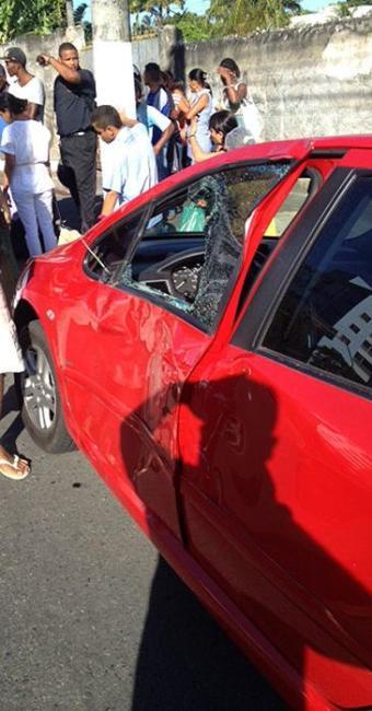 Carro do médico ficou destruído após acidente - Foto: Divulgação
