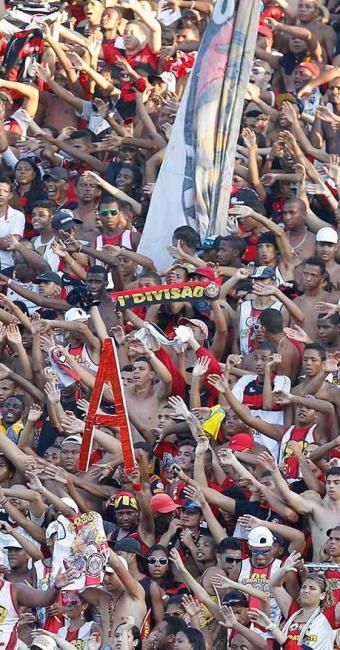 Depois de dois meses, Vitória volta a jogar diante da torcida rubro-negra no Barradão - Foto: Eduardo Martins | Agência A TARDE