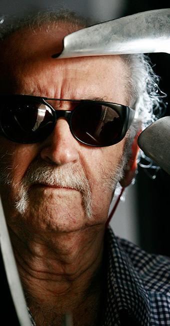No dia 13 desse mês, quando completará 90 anos, o artista receberá uma condecoração - Foto: Raul Spinassé | Ag. A TARDE