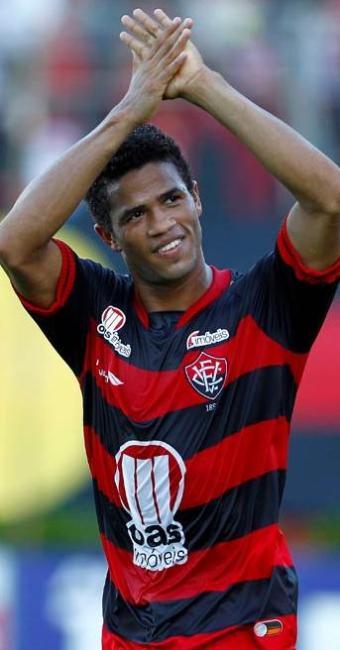 Sem espaço no atual elenco do Vitória, Léo pode ser emprestado para outro clube em 2013 - Foto: Eduardo Martins   Agência A TARDE