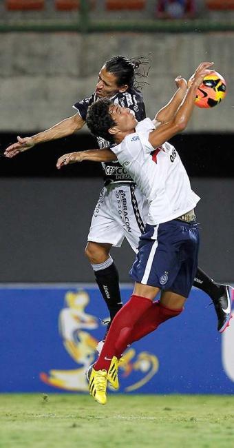 Tricolor joga mal e perde a sua primeira partida no Nordestão, mas segue líder do Grupo A - Foto: Eduardo Martins | Agência A TARDE