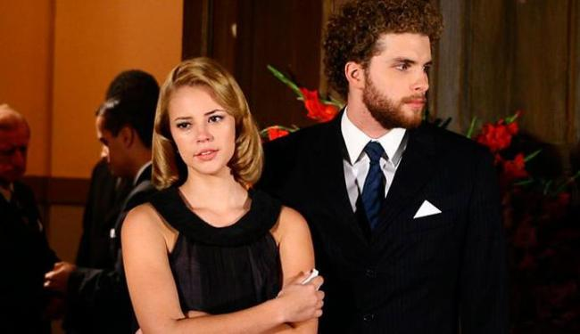Paola Oliveira e Thiago Fragoso protagonizam a novela O Profeta - Foto: Divulgação