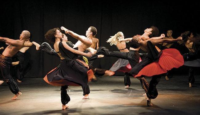 São oferecidas 10 turmas para coreógrafos, dançarinos e bailarinos e outras 10 para iniciantes - Foto: Divulgação | Funceb