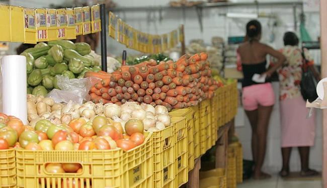 Quatro produtos da cesta básica sofreram aumento acima de 10% de variação - Foto: Mila Cordeiro | Ag. A TARDE