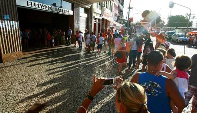 Turistas precisam enfrentar diversos problemas estruturais - Foto: Fernando Vivas | Ag. A TARDE