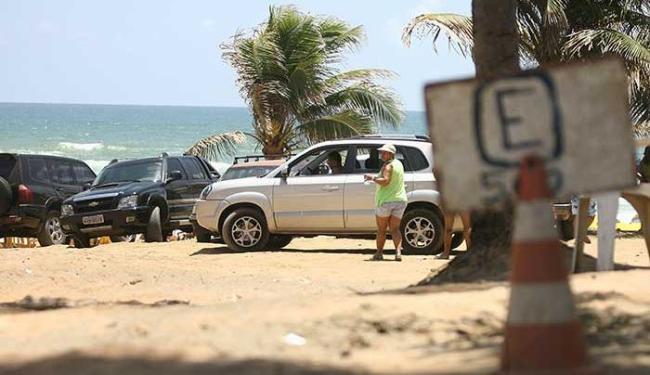 Altas taxas cobradas por guardadores e danos a veículos são queixas frequentes - Foto: Adilton Venegeroles | Ag. A TARDE