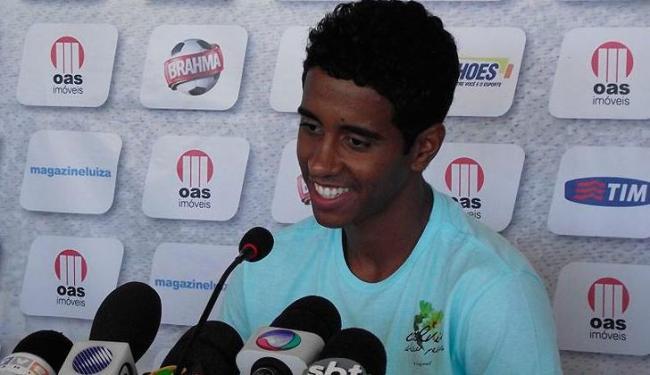 Meia contratado pelo Flamengo afirmou que sua transferência foi boa para o clube baiano - Foto: Esporte Clube Bahia / divulgação