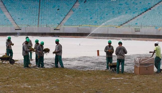 Campo deve estar pronto no dia 20 de março, 11 dias antes do primeiro Ba-Vi de 2013 - Foto: Lúcio Távora / Ag. A Tarde