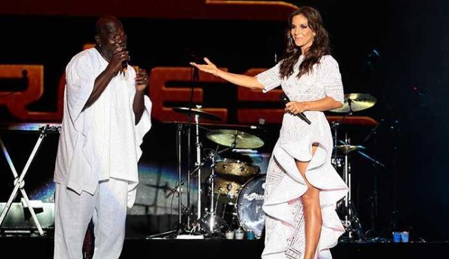 Ivete e Lazzo cantaram juntos na abertura do 15º Festival de Verão - Foto: Mila Cordeiro   Ag. A TARDE