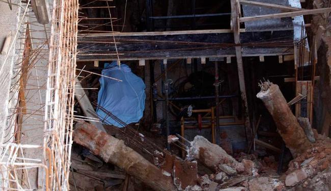 Acidente aconteceu na Rua Almeida Garret, durante uma escavação - Foto: Lúcio Távora | Ag. A TARDE