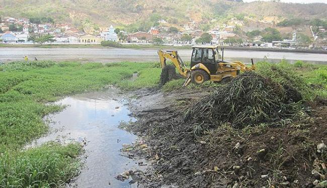 Operação de limpeza já recolheu 800 toneladas de lixo e entulho das margens do rio - Foto: Alzira Costa/ Divulgação