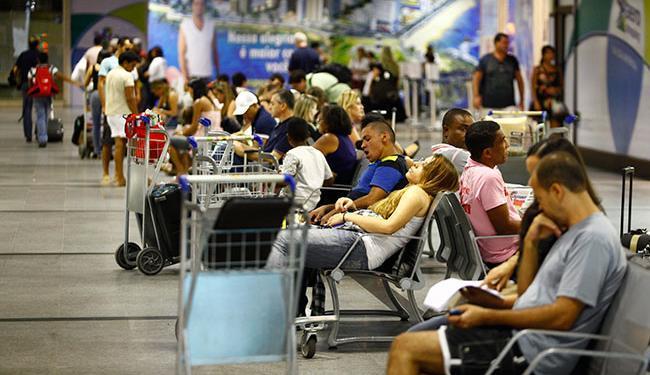 Número de estrangeiros no aeroporto de Miami já está perto de superar o de americanos - Foto: Fernando Vivas | Ag. A TARDE