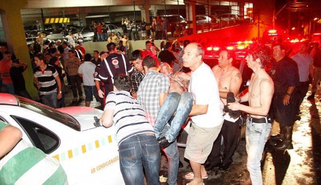 Incêndio teria começado por causa de um show pirotécnico dentro da boate - Foto: Deivid Dutra | Agência Brasil