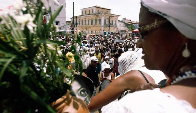 Moradores e turistas percorreram 10 km até a igreja Nossa Senhora da Purificação - Foto: Luiz Tito   Ag. A TARDE