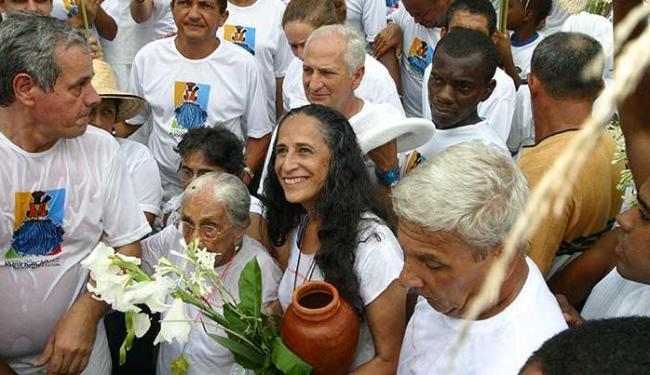 A confirmação da presença de Bethânia na festa surpreendeu os santo-amarenses - Foto: Fernando Vivas | Ag. A TARDE
