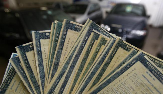 Licenciamento é uma das despesas do carro - Foto: Claudionor Junior/ Ag. A TARDE