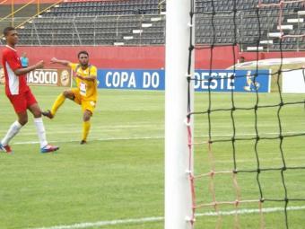 Biancucchi faz dois gols em jogo-treino, mas ainda busca o melhor da sua forma física - Foto: Esporte Clube Vitória | Divulgação