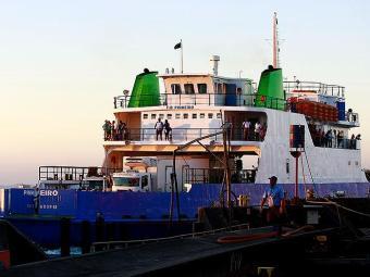 Embarcação Pinheiro opera na travessia São Joaquim - Bom Despacho - Foto: Fernando Vivas | Ag. A TARDE
