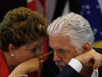 Antes de retornar a Brasília, Dilma tomou café com o governador - Foto: Lúcio Távora   Ag. A TARDE