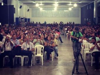 Yoani Sánchez discursou para quase dois mil estudantes em Feira de Santana - Foto: Reprodução   Twitter