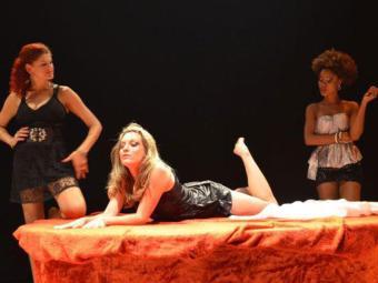 Atrizes em cena interpretam as prostitutas Dilma, Célia e Leninha - Foto: Divulgação