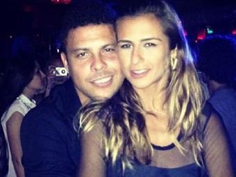 Ronaldo e Paula Morais, atual namorada do ex-jogador - Foto: Reprodução