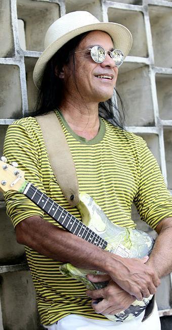 Missinho, que fez parte do Chiclete com Banana, segue em carreira solo e prestes a lançar novo CD - Foto: Mila Cordeiro   Ag. A TARDE