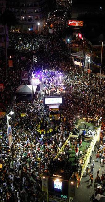 40bbd35ecc Maior festa de rua do mundo está prevista para começar às 19h30 - Foto   Lúcio