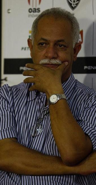 Dirigente nega crise e diz acreditar que o árbitro do jogo influenciou na eliminação do Vitória - Foto: Lúcio Távora / AG. A Tarde