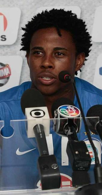 Adriano se diz pronto para estrear e promete pelo menos três gols por partida na Fonte Nova - Foto: Mila Cordeiro   Agência A TARDE