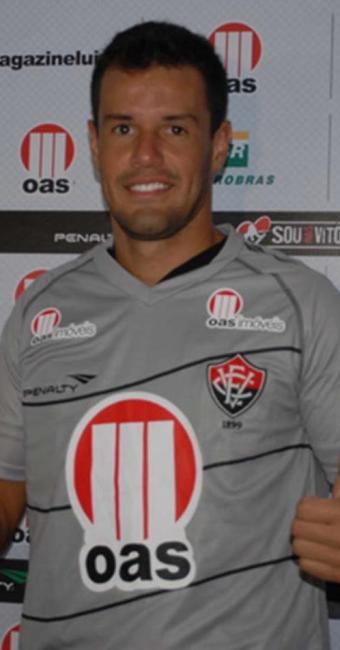 Novo goleiro rubro-negro chega ao clube com a promessa de encerrar rodízio no gol - Foto: Esporte Clube Vitória   Divulgação