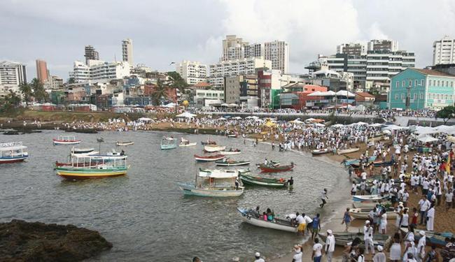 Trânsito foi alterado para não atrapalhar a festa de Iemanjá, no Rio Vermelho - Foto: Raul Spinassé | Ag. A TARDE
