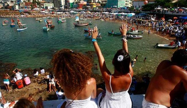 Devoção vem antes da festa profana no Rio Vermelho - Foto: Fernando Vivas | Ag. A TARDE