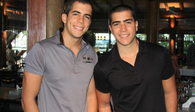 Rafa e Pipo Marques, da banda Oito7Nove4, querem se aproximar dos fãs - Foto: Alessandro Macedo | Divulgação