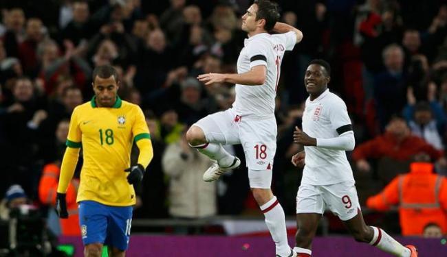Lampard fez o gol que deu o triunfo para a seleção inglesa por 2 a 1 - Foto: Stefan Wermuth / Agência Reuters