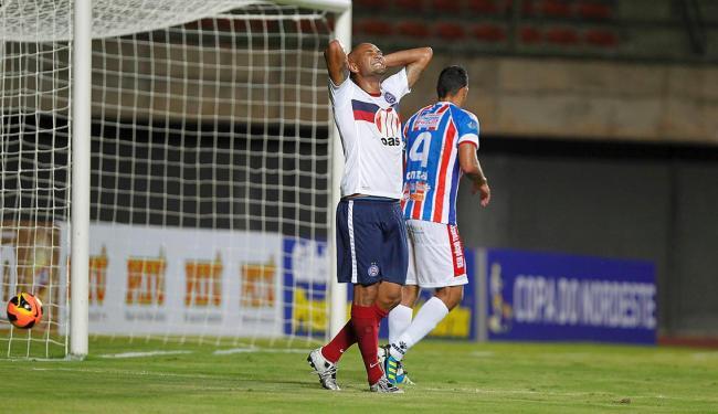 Diferente do primeiro jogo, Souza teve uma atuação apagada na segunda partida contra o Itabaiana - Foto: Eduardo Martins | Ag. A TARDE