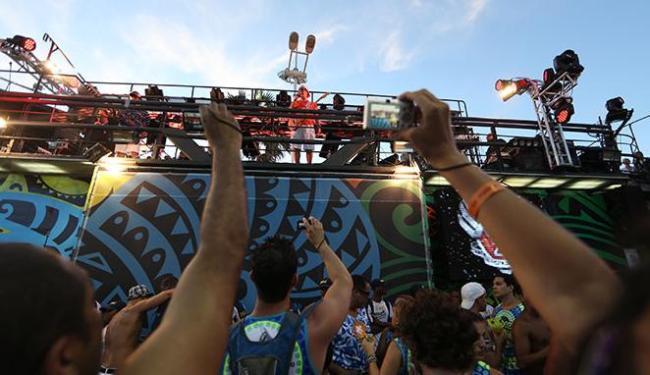 Asa de Águia dá início a folia na Barra - Foto: Raul Spinassé | Ag. A TARDE